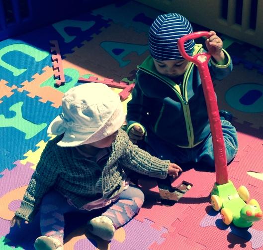 Sandkastenfreunde: Kevin und Claire